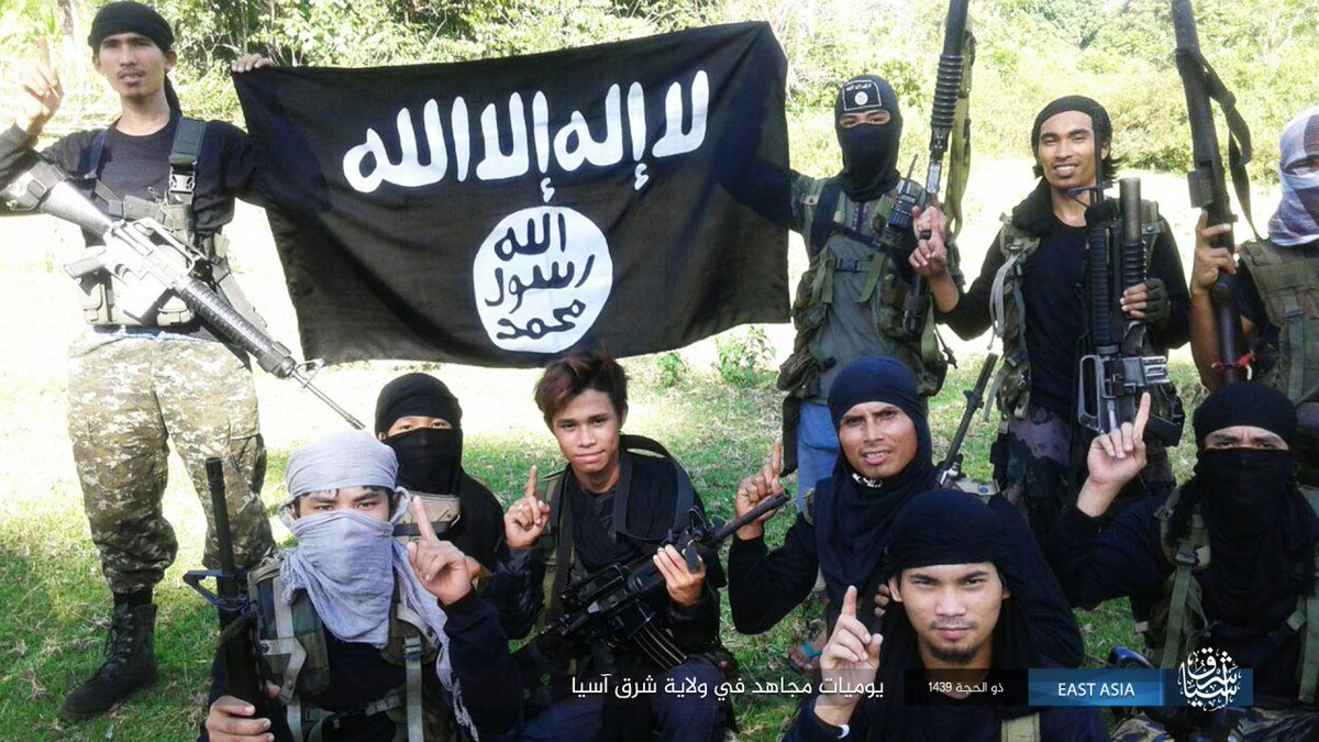 Members of IS-affiliated groups in southern Philippines
